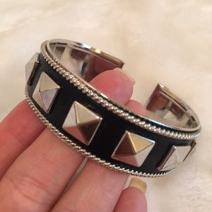 EUC pyramid stud bangle bracelet